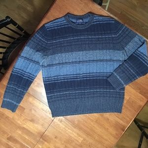 Club Room 100% Lamb's Wool Crew neck Sweater, Med.